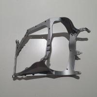 Кронштейн передней фары (металл) Daf XF E6 R