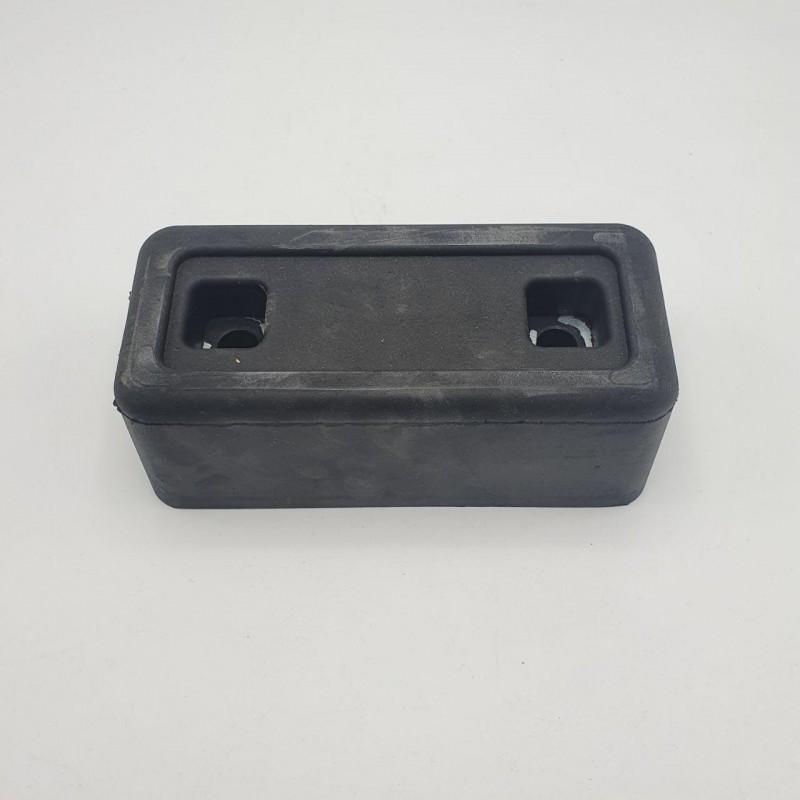 Отбойник резиновый на прицеп 200 * 100 * 68 мм