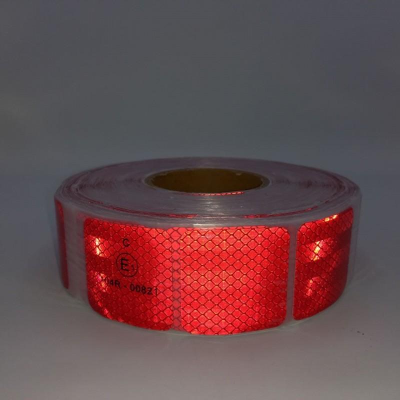 Лента светоотражающая для маркировки кузова красная секторная (Е) 50м